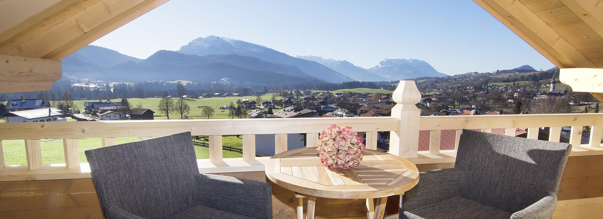 Ferienwohnung Neumaier Reit im Winkl, Blick von Balkon Kaiserwinkl Suite