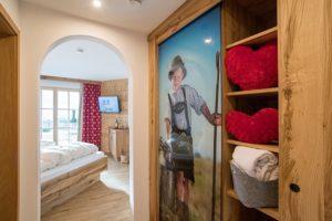 ferienwohnung-reit-im-winkl-kaiserwinkl-exklusiv-flur-appartement-600x400px