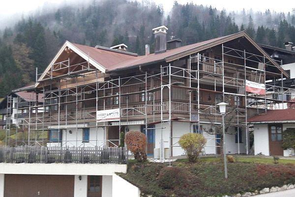 Ferienwohnung Neumaier Baustelle, Ferienhaus mit Gerüst