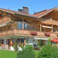 Ferienhaus Neumaier Reit im Winkl mit Markierung Ferienwohnung Kaiserwinkl Panorama