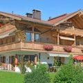 Ferienhaus Neumaier Reit im Winkl mit Markierung Ferienwohnung Kaiserwinkl Studio im Dachgeschoss