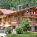 Ferienhaus Neumaier Reit im Winkl mit Markierung Ferienwohnung Kaiserwinkl Suite im Dachgeschoss