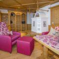 Ferienwohnung Kaiserwinkl Exklusiv mit neuer Sitzecke und Fernsehsessel