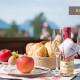 Gedeckter Tisch auf Balkon von Ferienwohnung Kaiserwinkl Residenz