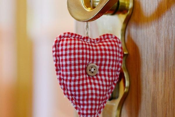 Neumaier Ferienwohnung Reit im Winkl, Großaufnahme Eingangstür Ferienwohnung mit Herzerl