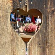 Familie Neumaier auf Balkon - Ferienwohnung Reit im Winkl