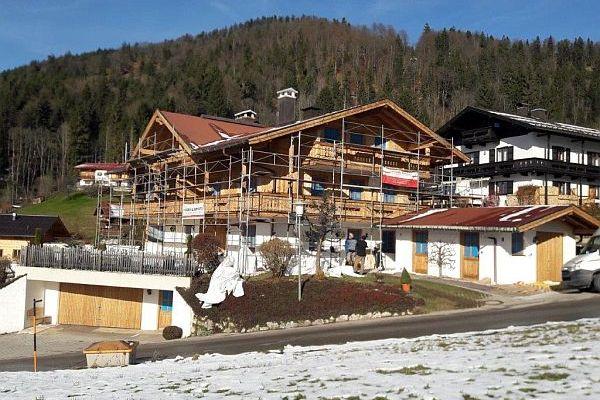 Ferienwohnung Neumaier neu renoviertes Ferienhaus mit heller Holzfassade
