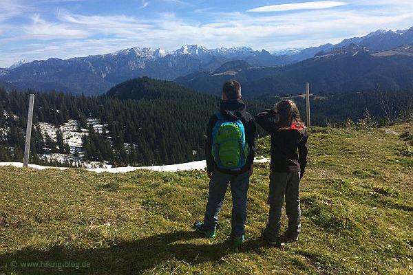 Foto von Outdoor-Blogger Jens Nordmann beim Wandern in den Bergen von Reit im Winkl