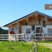 Huette Jochbergalm bei Reit im Winkl im Chiemgau